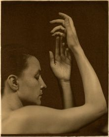 Alfred_Stieglitz_-_Georgia_O'Keeffe_-_Google_Art_Project