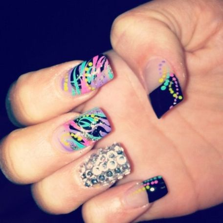 """Ghetto"" acrylic nails (according to Pinterest)"